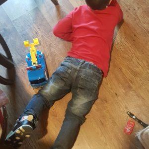 Jak wytrzymać z dzieckiem w domu