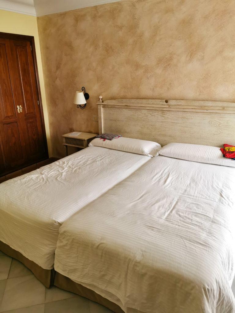 Teneryfa dla rodzin sypialnia