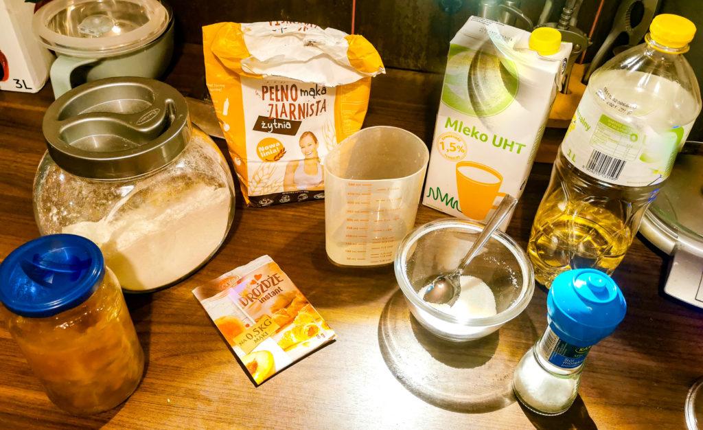 składniki na drożdżówki